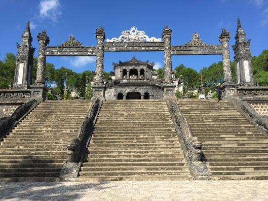 Hue ThienMu pagoda, Mausoleum vom König Khai Dinh